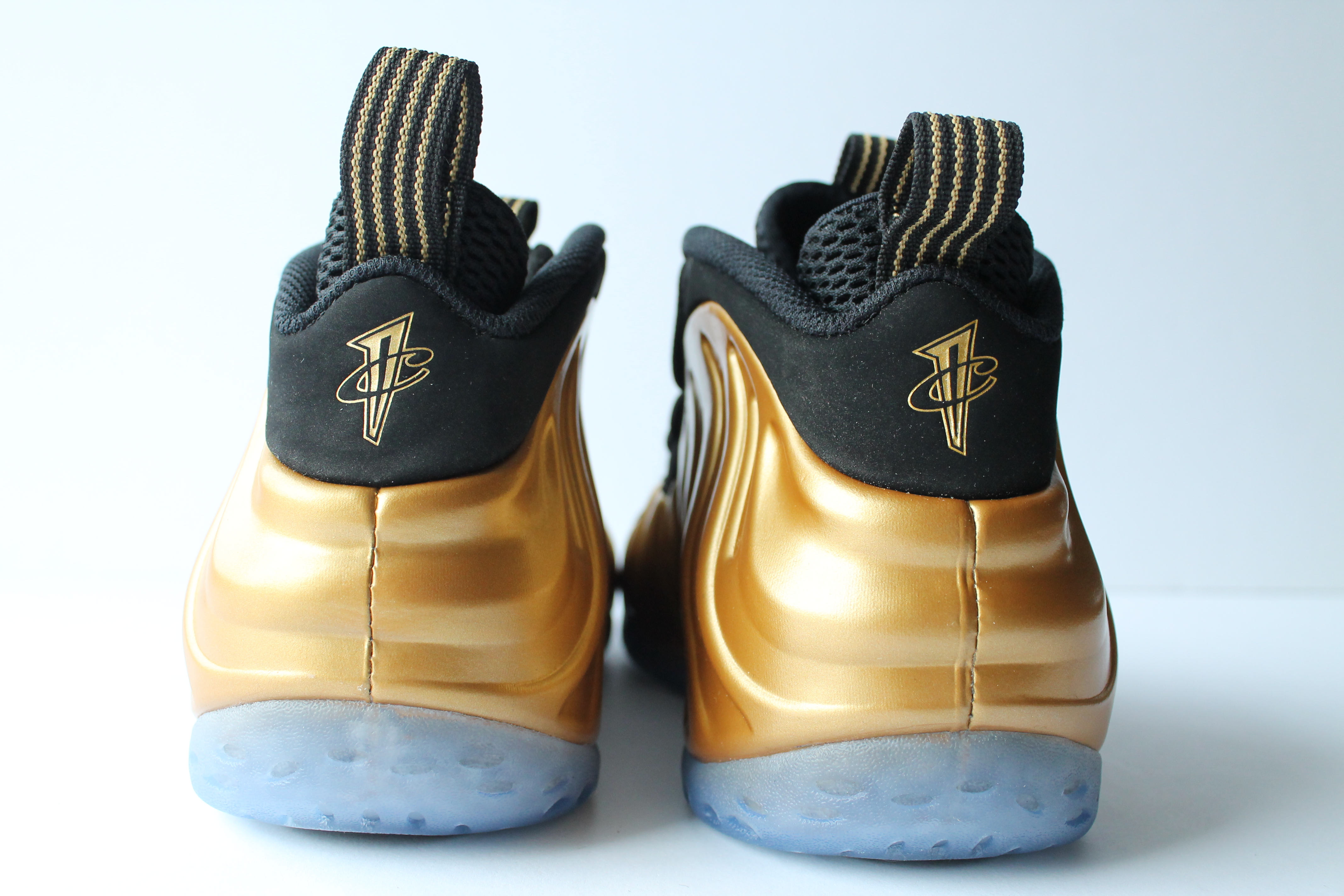 ... Nike Air Foamposite One Gold ...