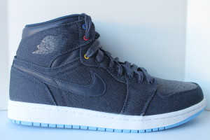 Air Jordan 1 Retro High Family Forever