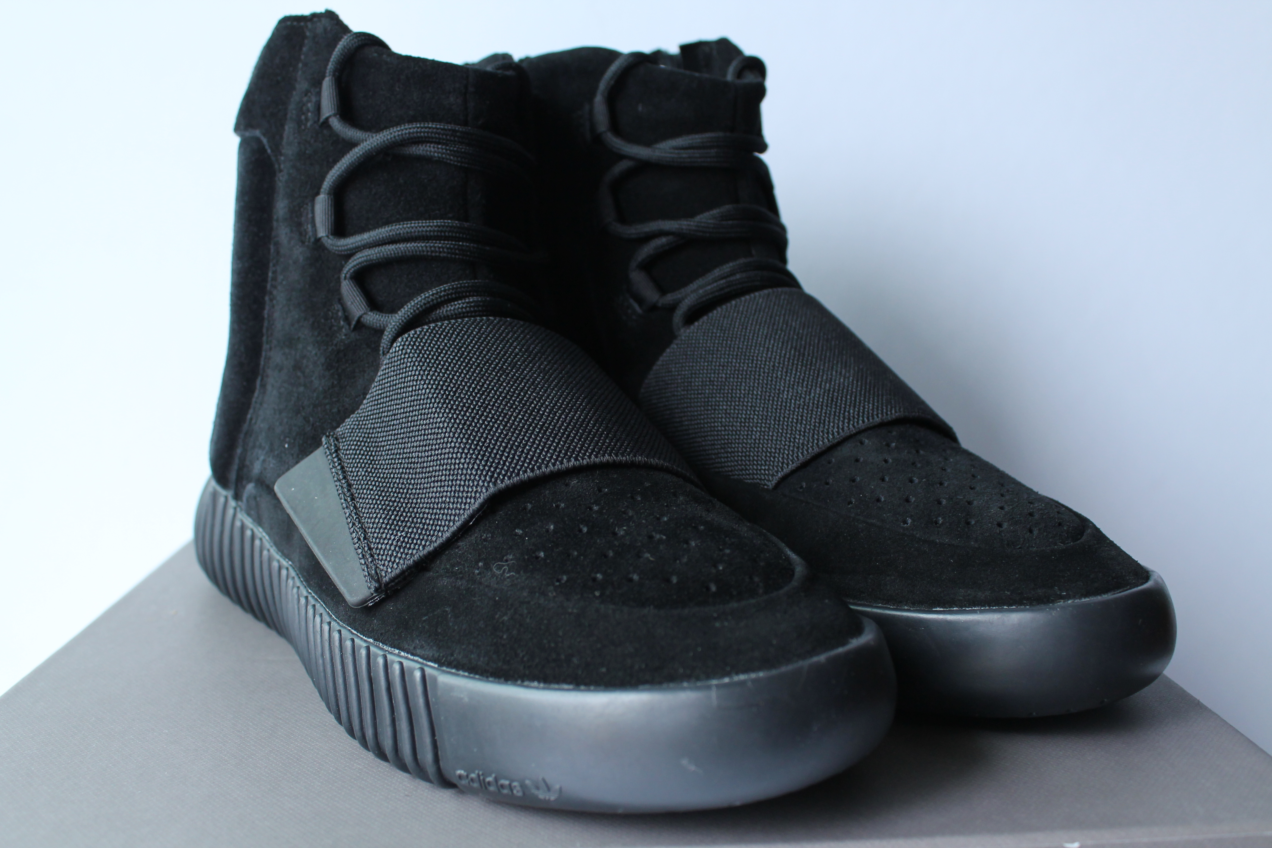 Adidas Yeezy Boost 750 Pirate Black