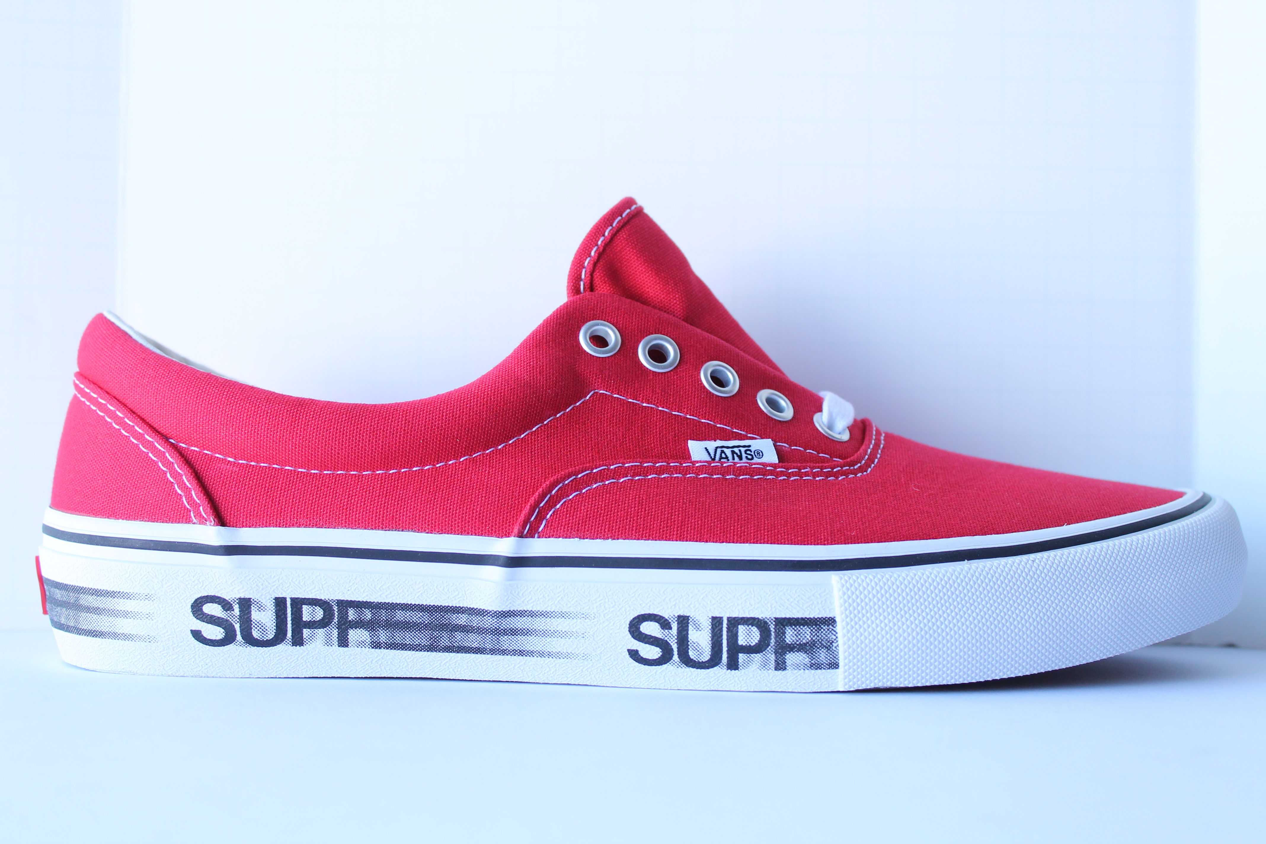 ba7fa369959ce8 Supreme X Vans Motion Logo - Red