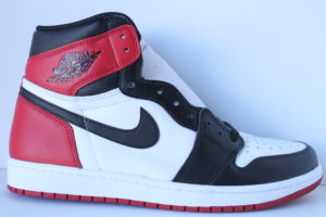 Air Jordan1 Retro High Black Toe