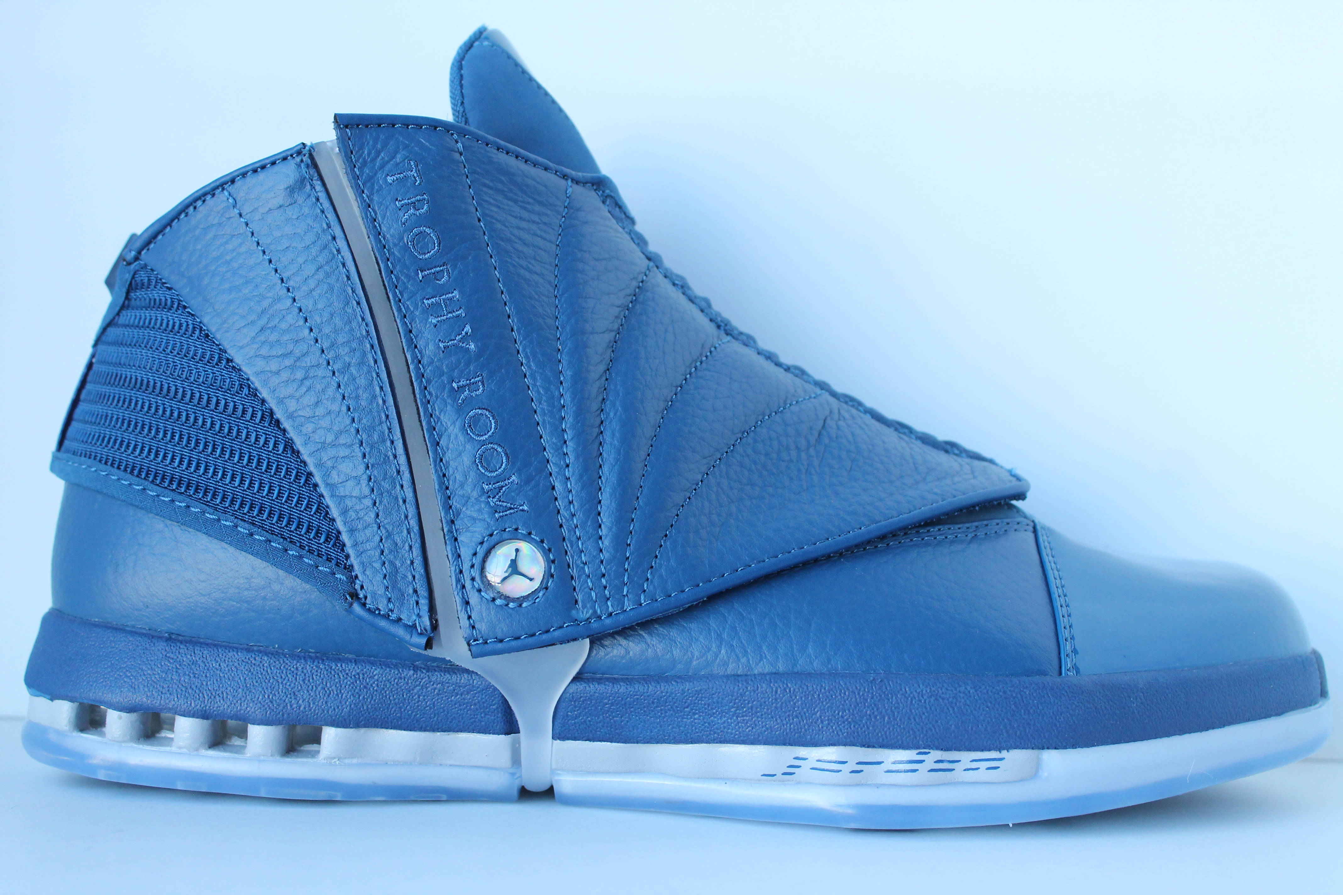 014478704e8986 Air Jordan 16 Retro Trophy Room