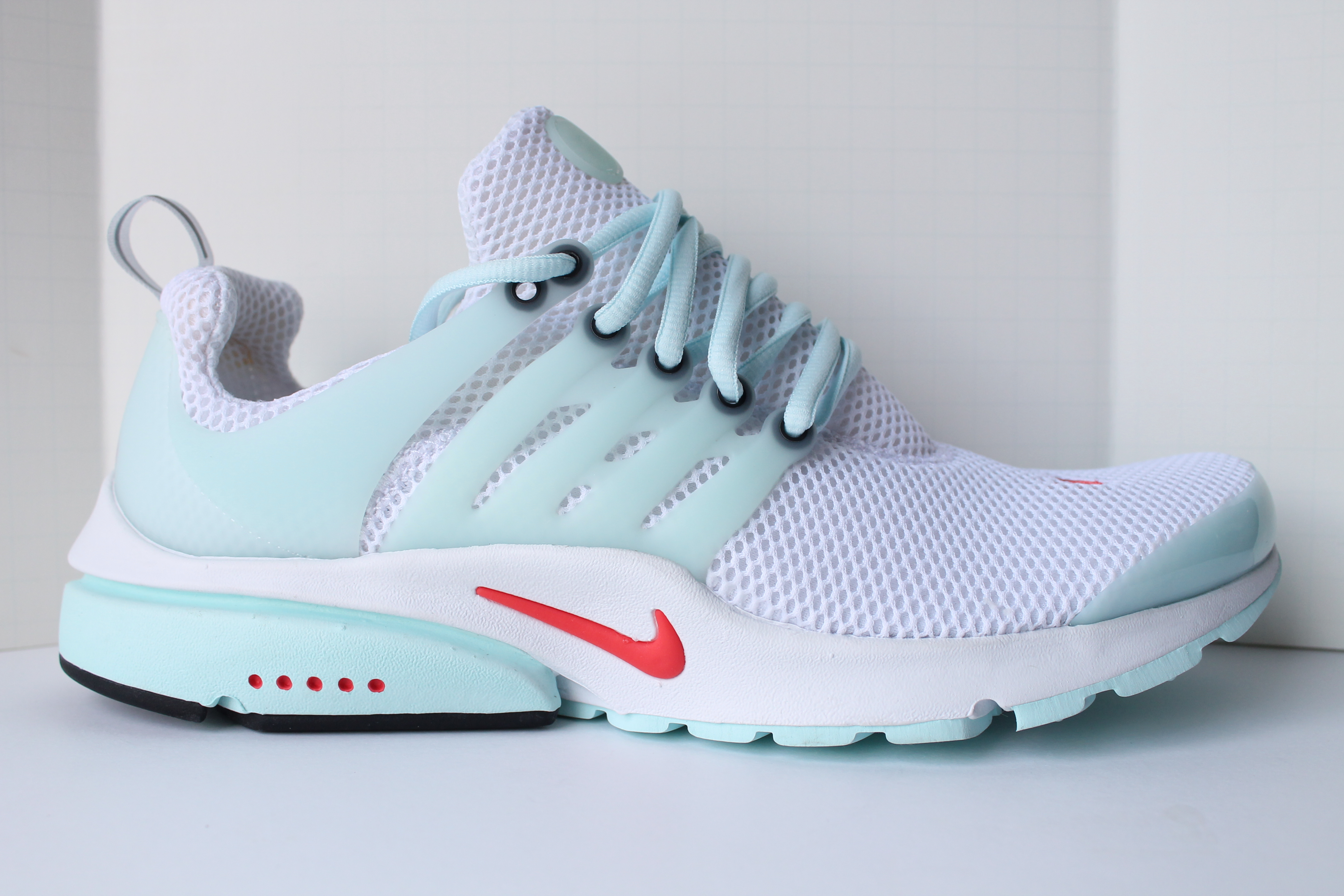 differently new images of best website Nike Air Presto QS Unholy Cumulus
