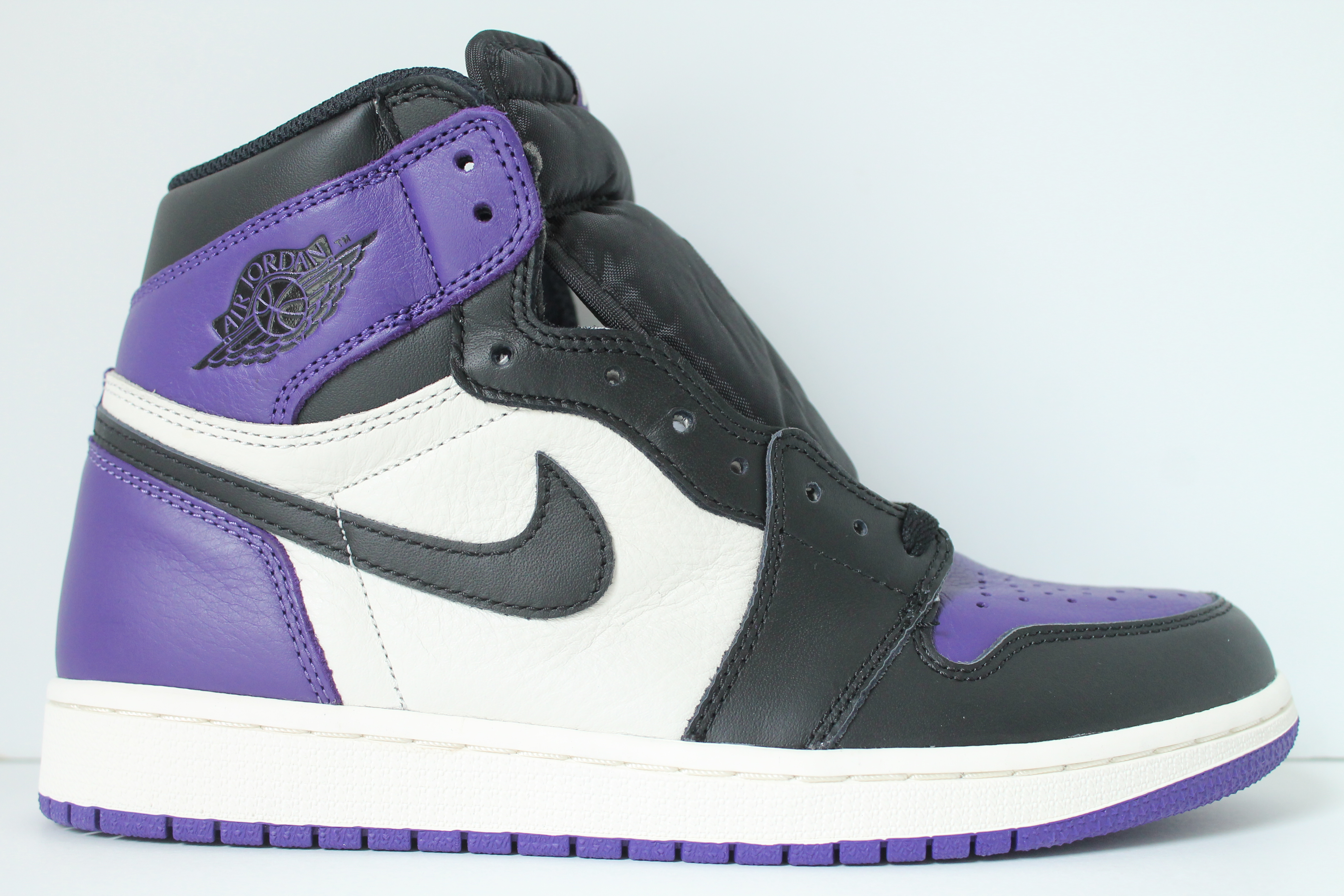 3220b86ea92f Air Jordan 1 Retro High OG – Court Purple